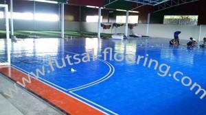 proses instalasi flooring futsal lapisan lantai 14