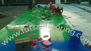 proses instalasi flooring futsal lapisan lantai 5