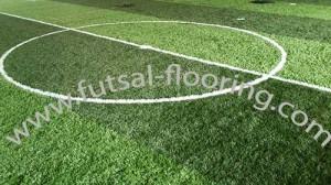 proses instalasi flooring futsal lapisan lantai 13